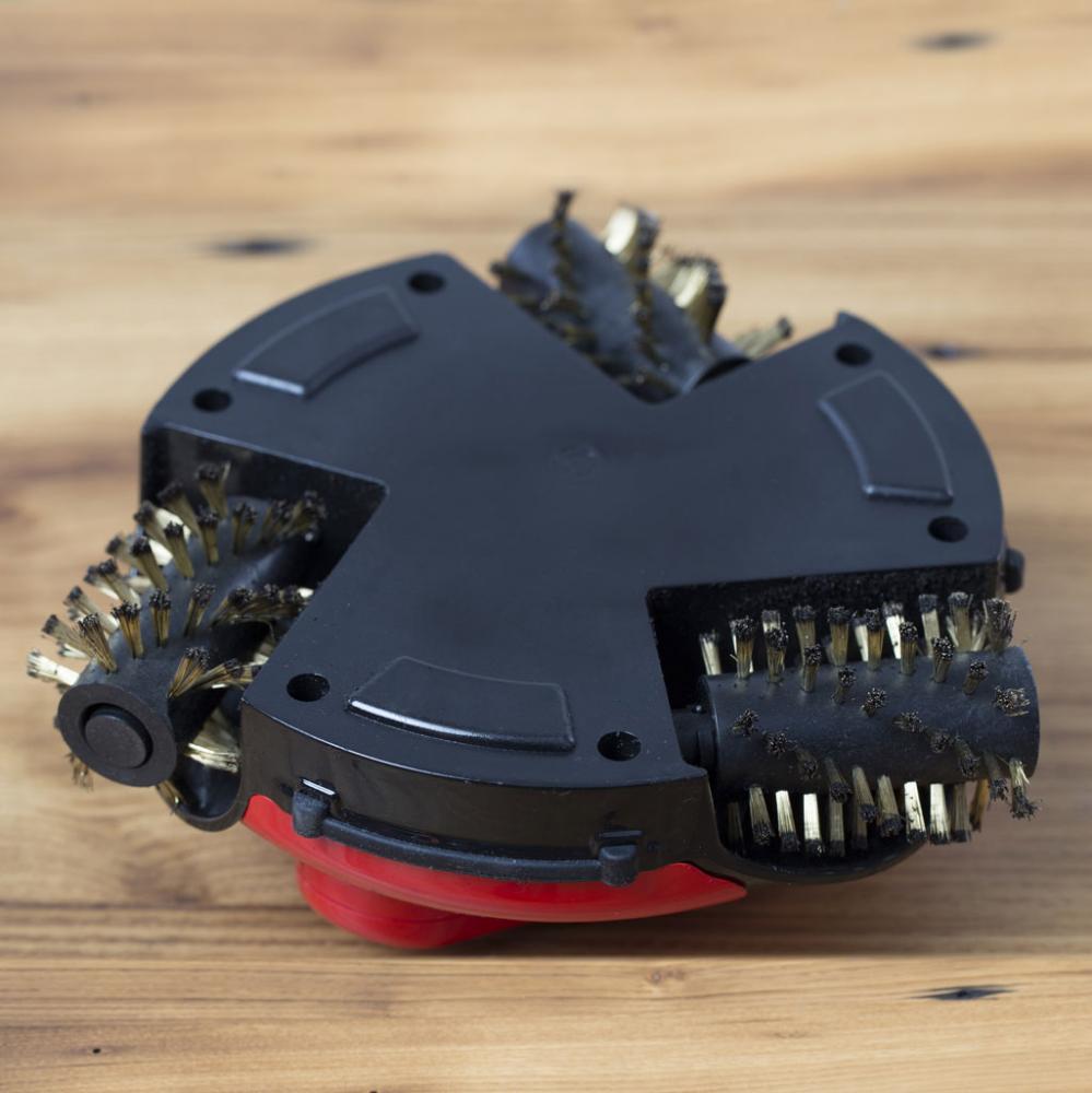 robotický čistič grilů