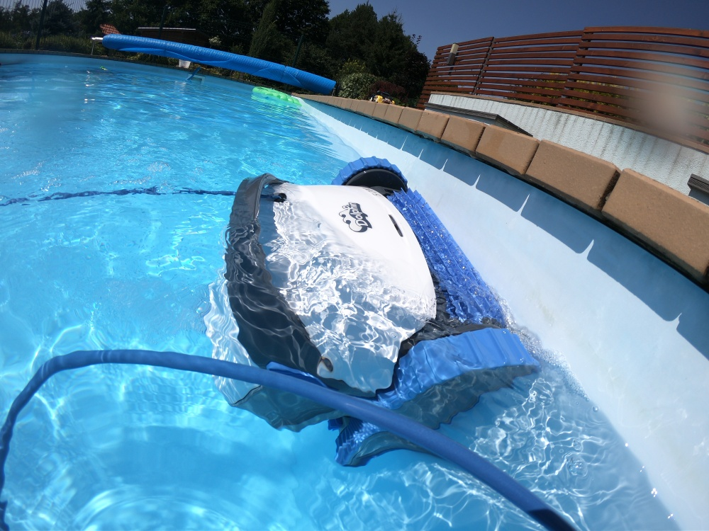 bazénový vysavač dolphin s200
