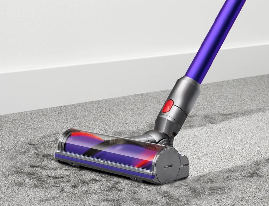 Dyson V11 Animal Extra - Důkladný úklid na hladkých podlahách i kobercích
