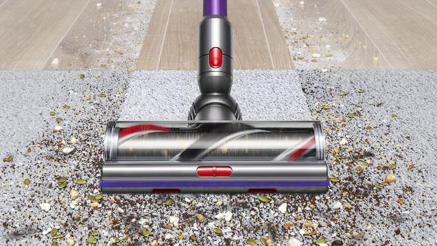 Dyson V11 torque drive Extra - Důkladný úklid na hladkých podlahách i kobercích
