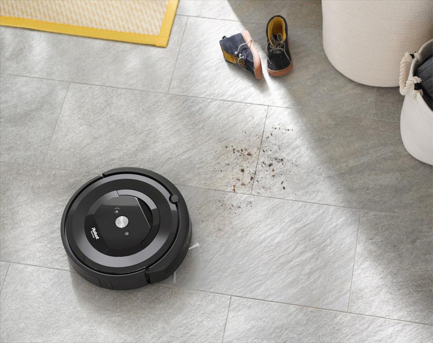 iRobot Roomba e5 black detekce nečistot