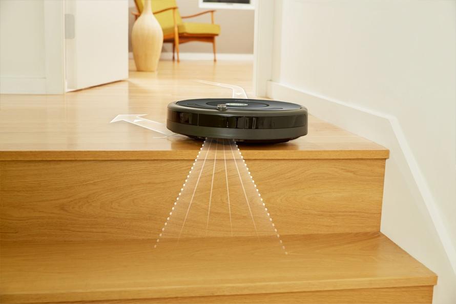 iRobot Roomba e5 black senzory proti padu