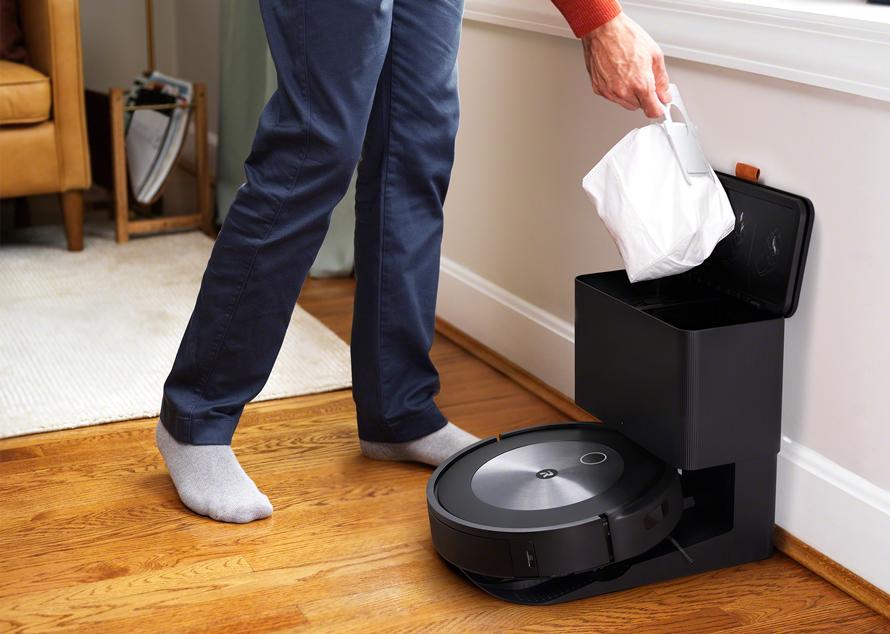 iRobot Roomba j7+ Stanice Clean Base