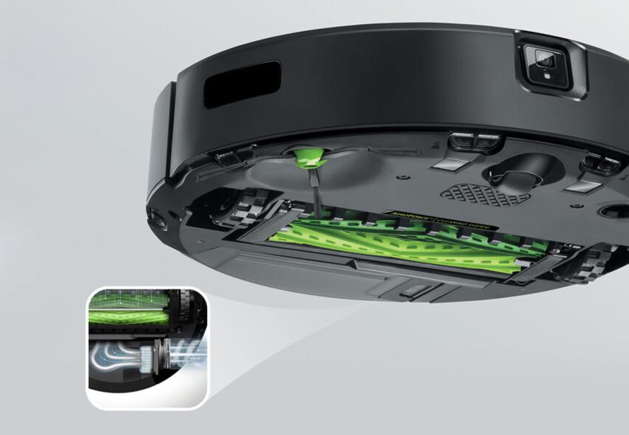 iRobot Roomba j7 rotační kartáče a vysoký sací výkon