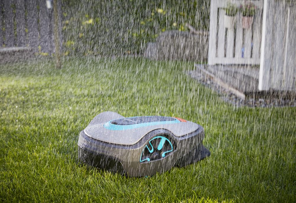 Jak vybrat robotickou sekačku - sekání za deště