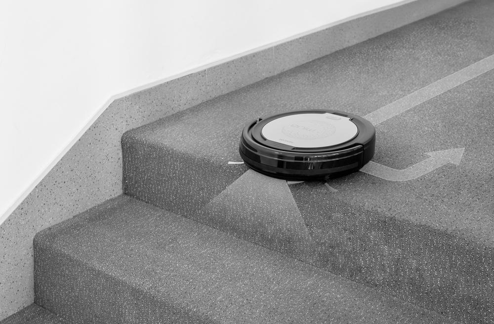 Sencor SRV 1000SL Nepadám ze schodů ani z vyšších překážek