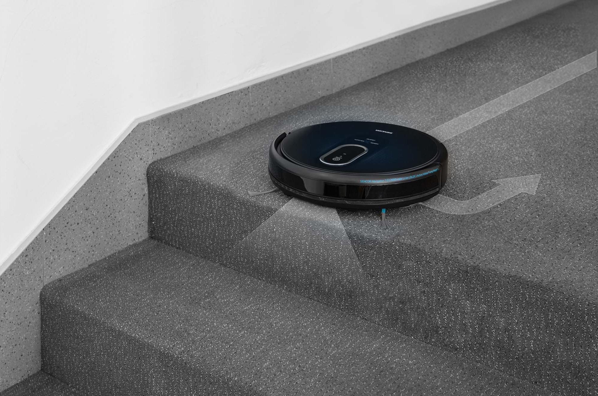 Sencor SRV 8250BK S infračervenými senzory nespadnu ze schodů