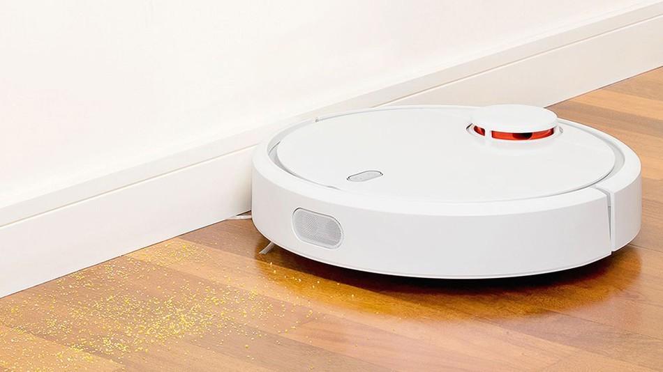 Xiaomi Mi Robot - vysávání podél stěn